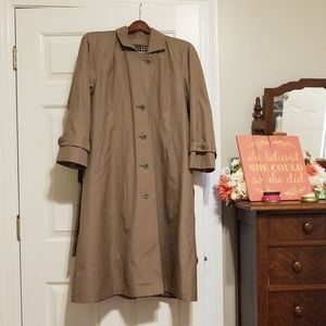 London Fog Single Breasted Trenchcoat